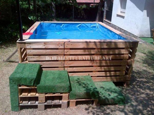 ajout de lien fabriquer une piscine avec des palettes. Black Bedroom Furniture Sets. Home Design Ideas