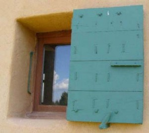 Volet provençal à un seul vantail